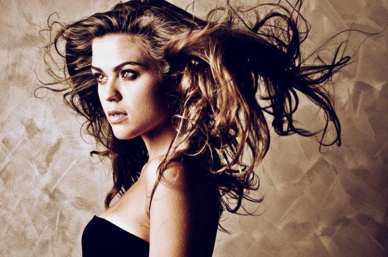 Ph.: Ryan Des - Model: Chiara Nicolanti - Hair Stylist: Simona Cancellaro - Mua: Marina Macii