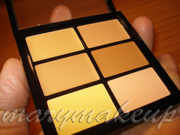 Mac Cosmetics Pro Concealer and Corrector Palette