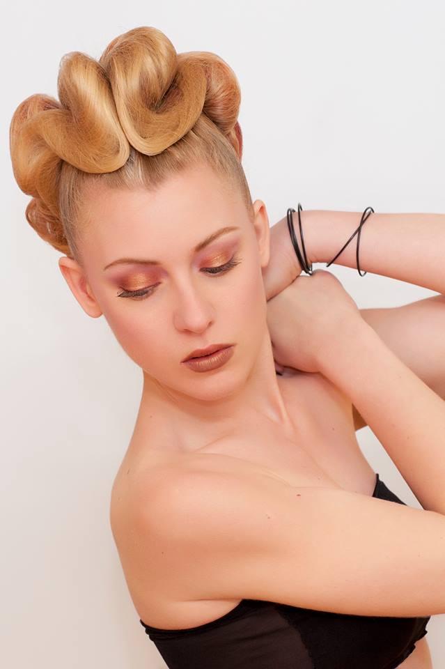 Ph.: Federica Muccichini - Model: Veronica Baleani - Hair Stylist: Simona Cancellaro - Mua: Marina Macii Copyright: Federica Muccichini
