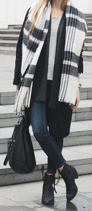 winter-fashion-black-white-stripes