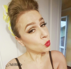 Pin-up look2